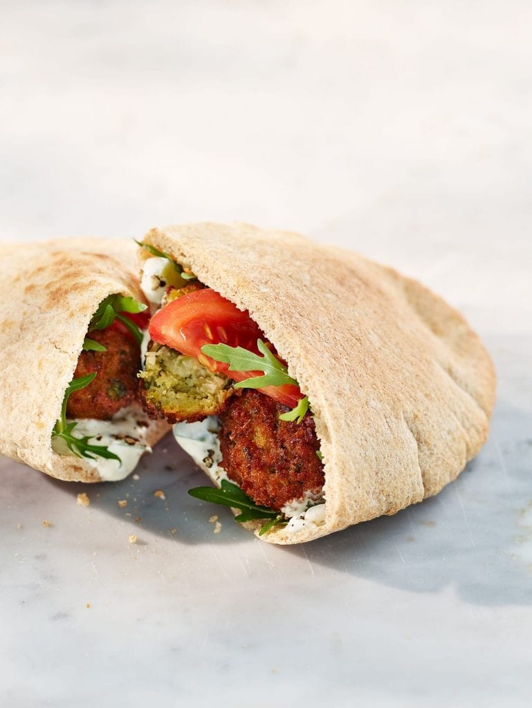 Wholemeal pitta with falafel