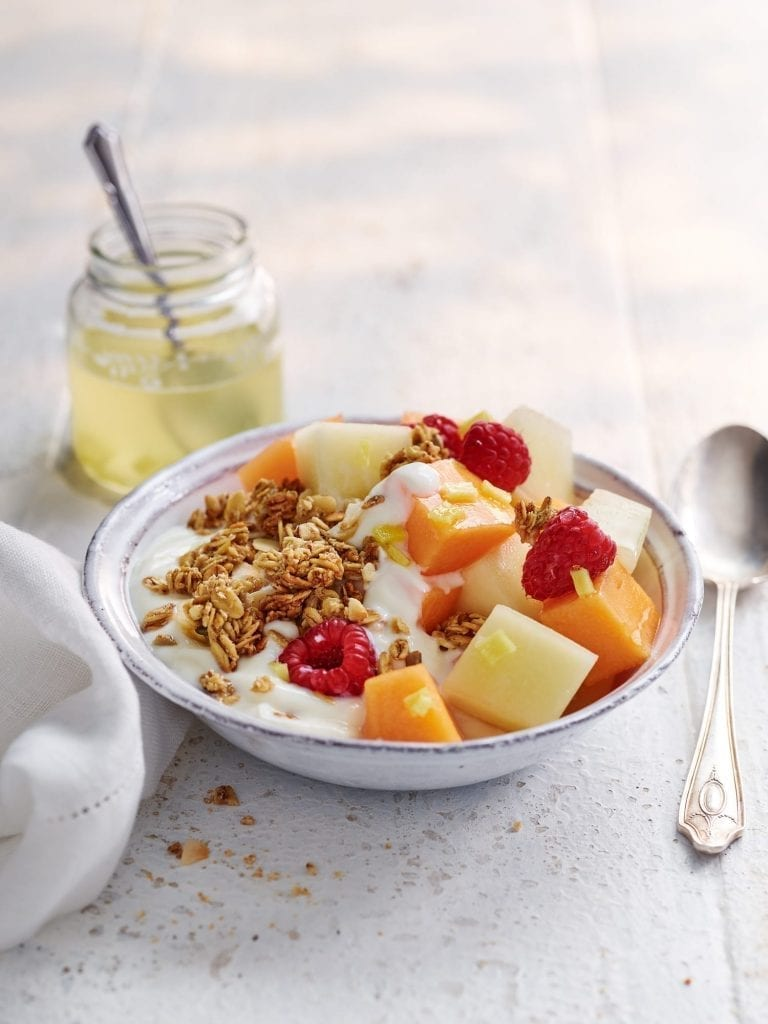 breakfast bowl yoghurt honey