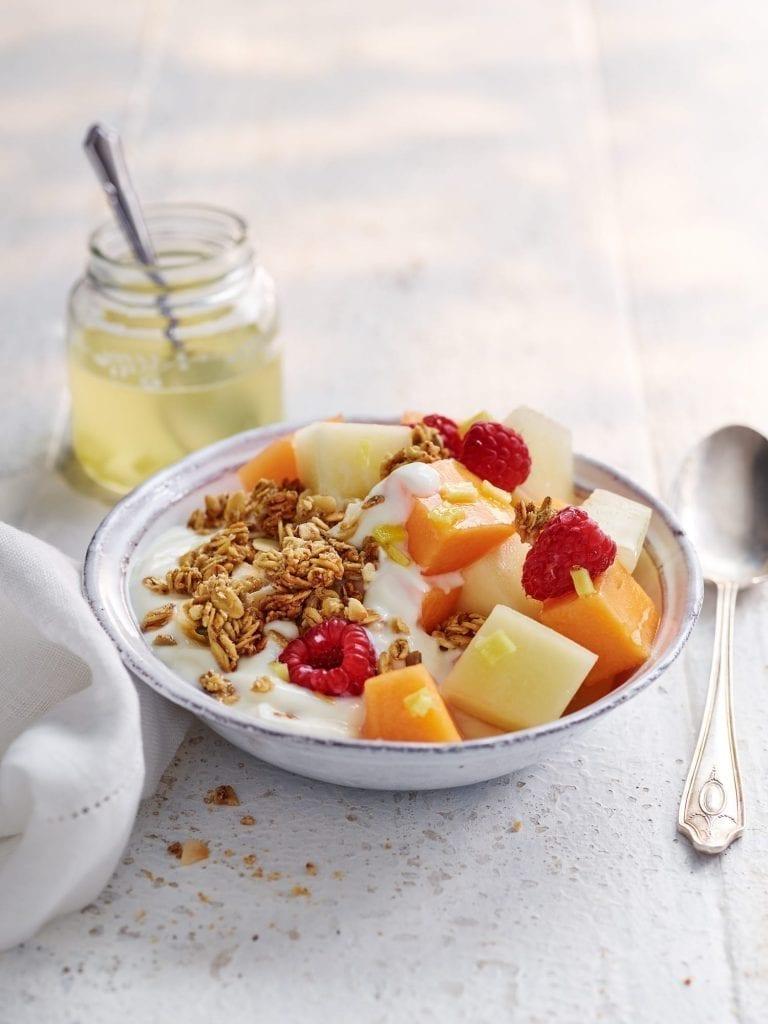 breakfast bowl yoghurt honey